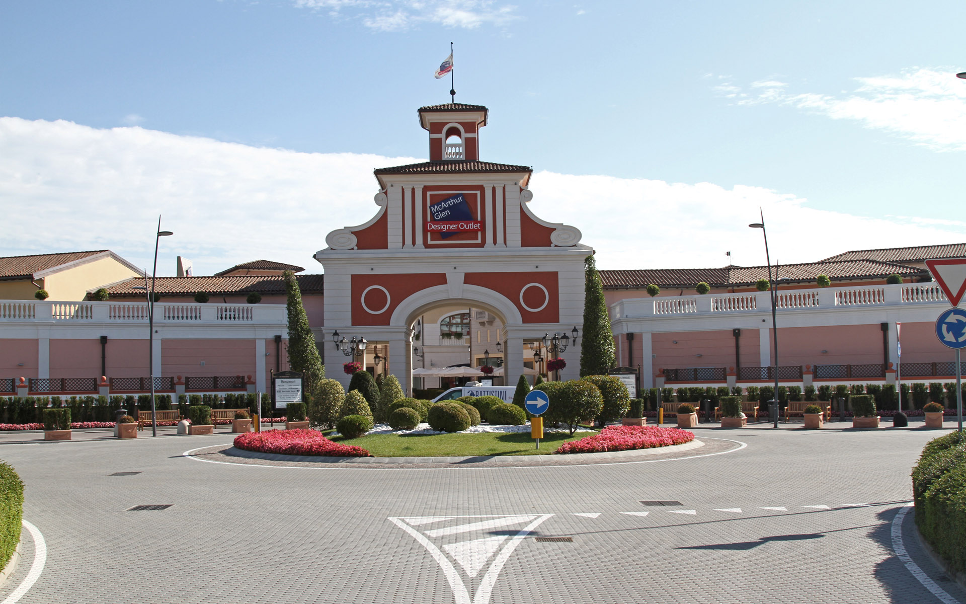 Serravalle designer outlet fase 6 r p engineering for Serravalle designer outlet